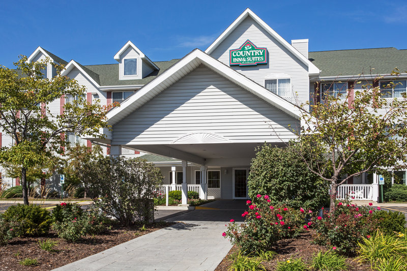 Country Inn & Suites by Radisson Gurnee IL
