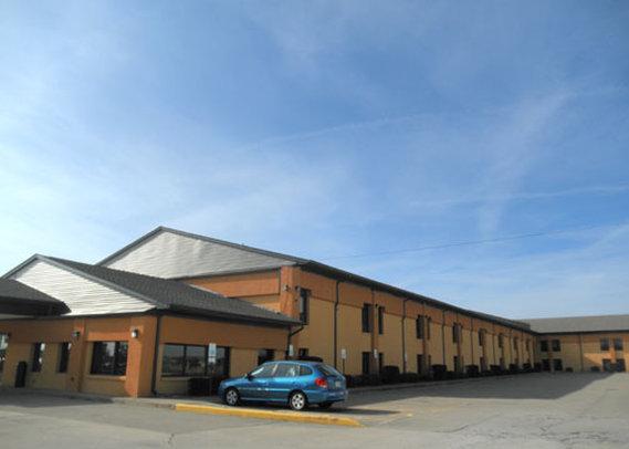 Quality Inn & Suites Greensburg I 74