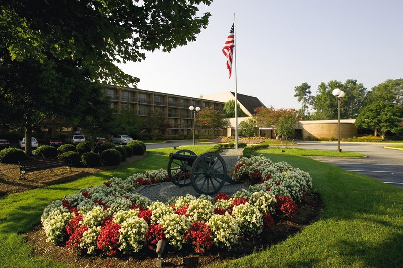 Fort Magruder Hotel And Conference Center