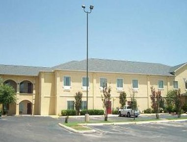Baymont Inn & Suites Pearsall