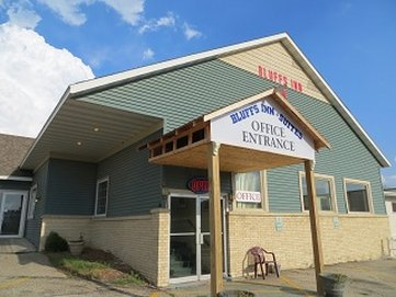 The Bluffs Inn And Suites