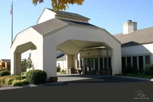 Club-Hotel Nashville Inn & Suites