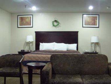 Days Inn & Suites Upper Sandusky