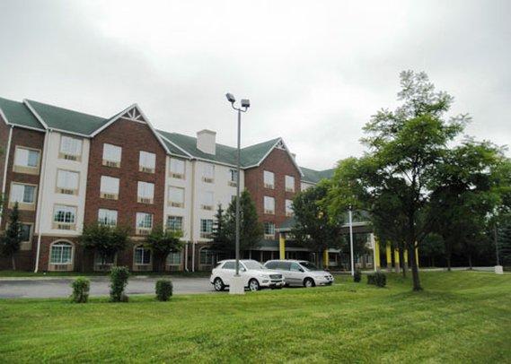 Quality Inn & Suites Novi