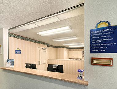 Days Inn & Suites Green Bay WI.
