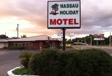 Nassau Holiday Motel