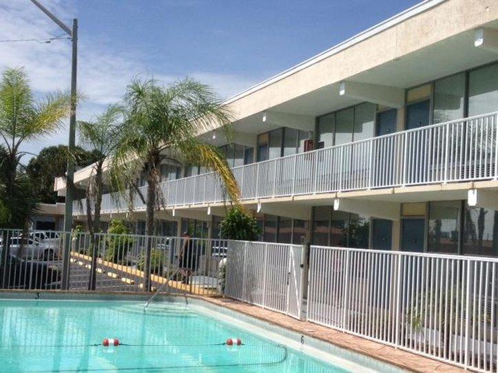Americas Best Inn & Suites Lakeland