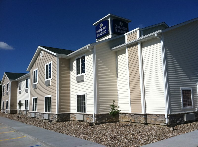 Cobblestone Inn and Suites  - Bloomfield