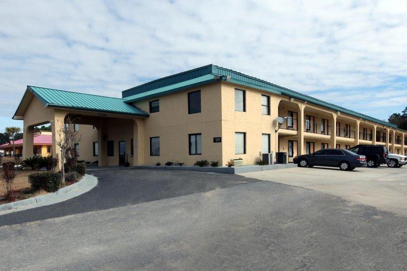 Americas Best Value Inn Crestview