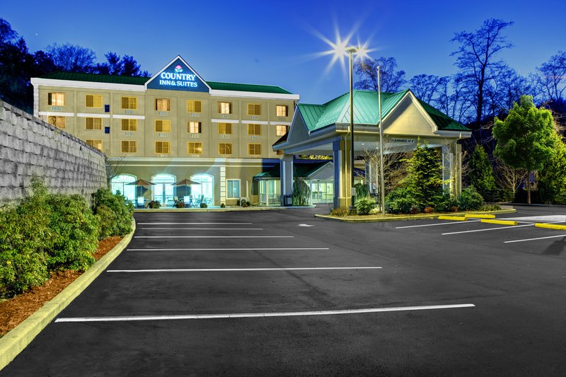 Country Inn & Suites By Carlson, Asheville Downtown Tunnel Road (Biltmore Estate), NC