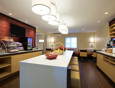 Hawthorn Suites By Wyndham Omaha/Old Mill