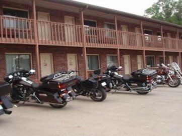 Hotchkiss Inn