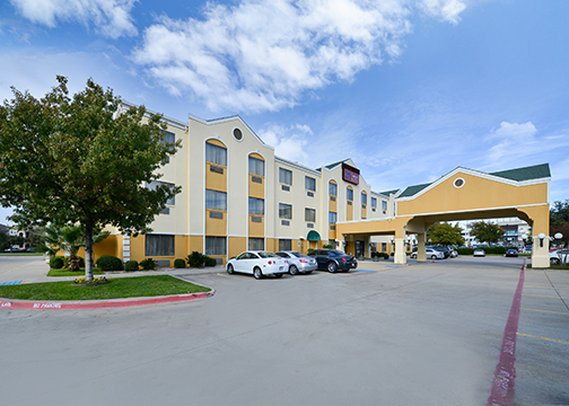 Comfort Suites Near Stonebriar Mall