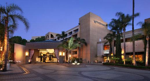 Avenue Of The Arts Wyndham Hotel