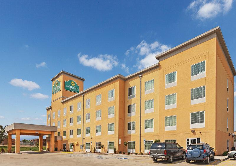 La Quinta Inn & Suites by Wyndham Dickinson