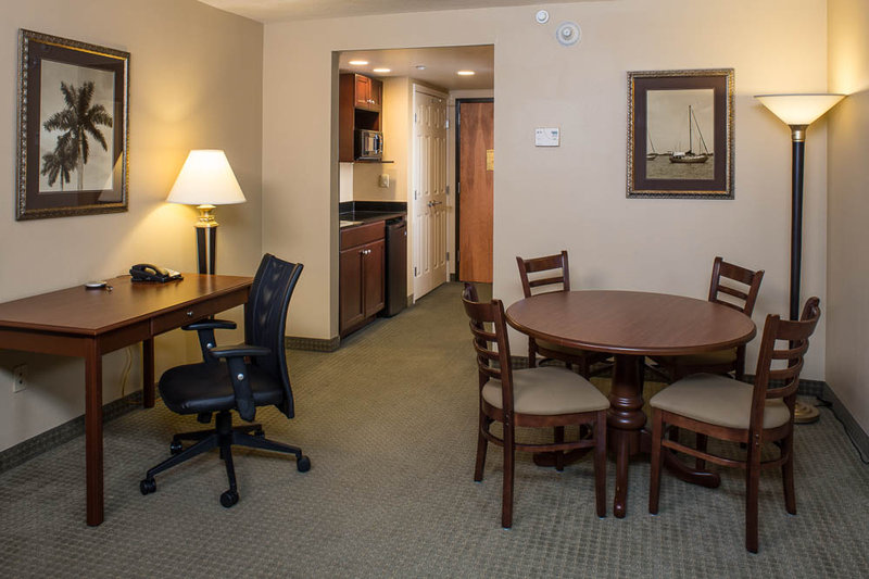 Holiday Inn Express & Suites Bradenton East Lakewood Ranch