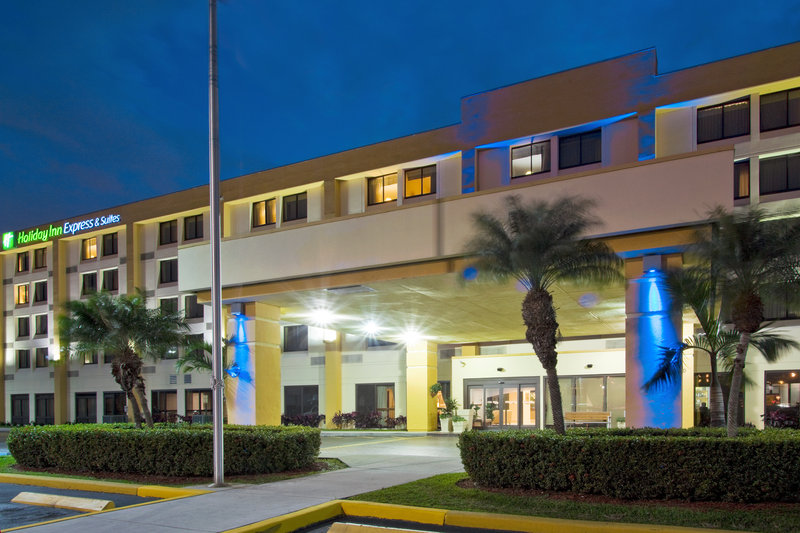 Holiday Inn Express & Suites MIAMI-HIALEAH (MIAMI LAKES)
