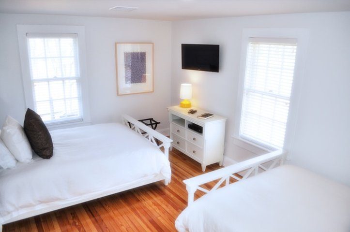 Seven Shelter Island Guest House