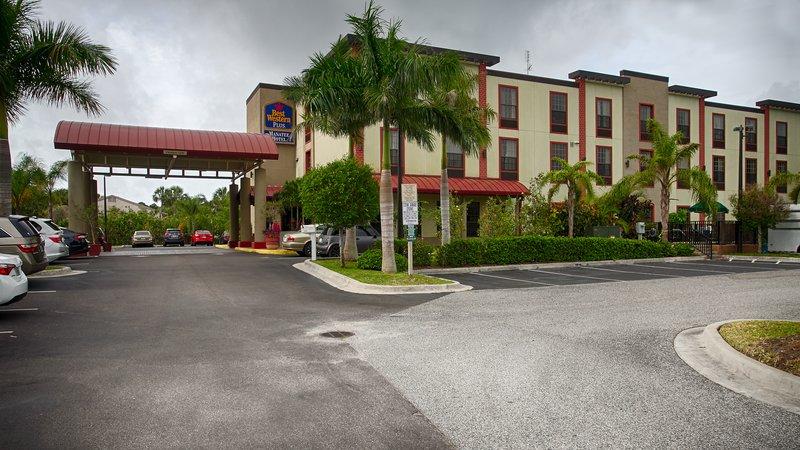 BEST WESTERN PLUS Manatee Hotel