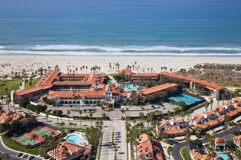 Embassy Suites Mandalay Beach - Hotel - Resort