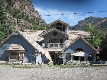 Black Bear Manor