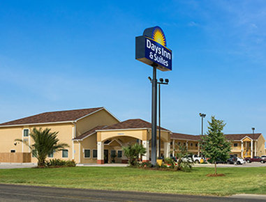 Days Inn Pearsall