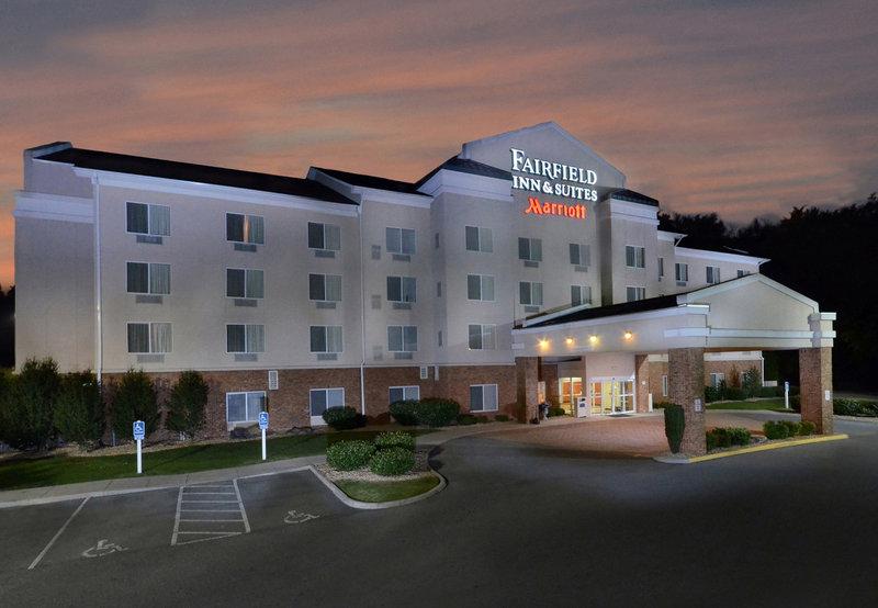 Fairfield Inn & Suites Roanoke North