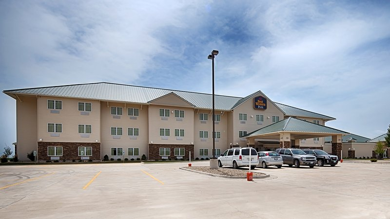 BEST WESTERN PLUS Green Mill Village Hotel & Suites