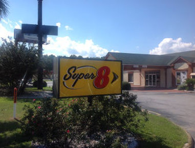 Super 8 Richmond Hill