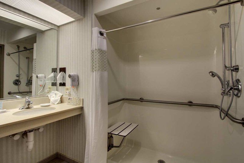 Hampton Inn - Suites Chicago-Aurora IL
