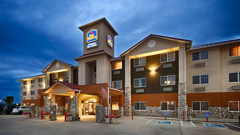 BEST WESTERN Firestone Inn & Suites
