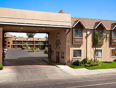 Super 8 Bakersfield South CA
