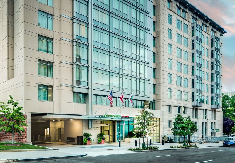 Courtyard by Marriott Washington DC / Foggy Bottom