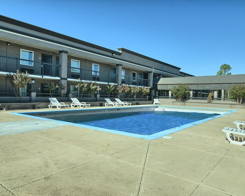 Clarion Inn & Suites Russellville I 40