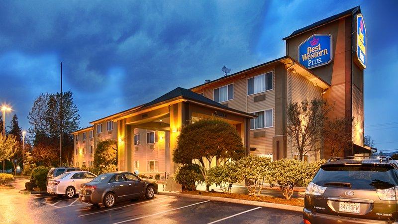 BEST WESTERN PLUS Cascade Inn & Suites