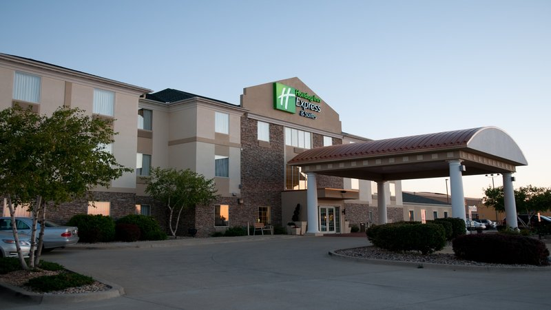 Holiday Inn Express & Suites Bloomington Normal