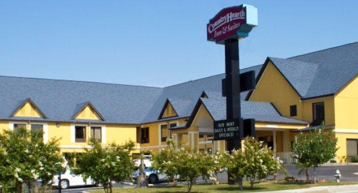 Country Hearth Inn V73019
