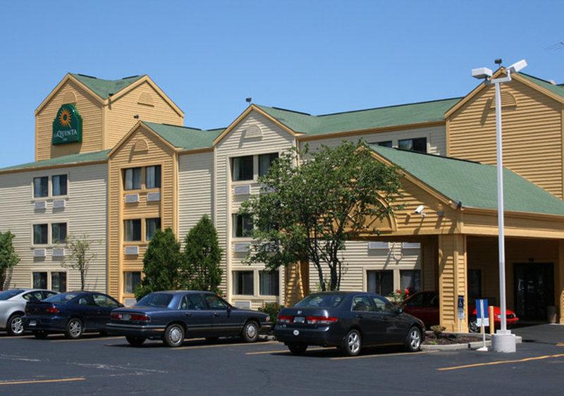 La Quinta Inn Milwaukee Northwest