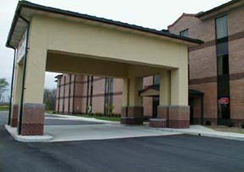 Quality Inn & Suites Sellersburg