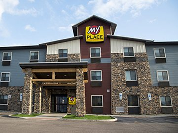 My Place Hotel-Beaver Valley,